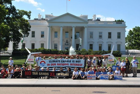 Photo by Chesapeake Climate Action Network from http://commons.wikimedia.org/wiki/File:Protests_against_Keystone_XL_Pipeline_for_tar_sands_at_White_House,_2011.jpg